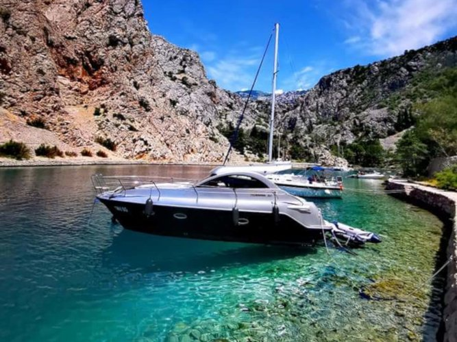 All you need to do is relax and have fun aboard the  Mirakul 30