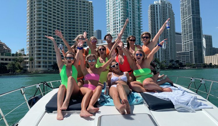 Rent a Luxury Yachting Experience! 48' Formula - ALL-INCLUSIVE!