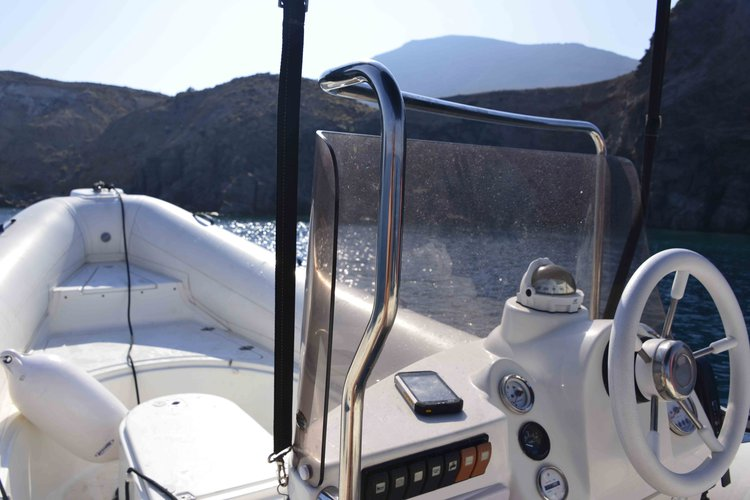 Boat rental in Santorini - Vlichada,