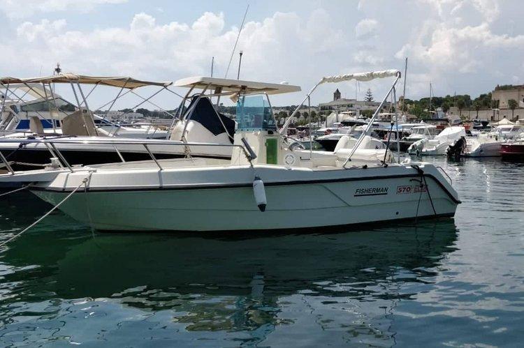 Discover Leuca surroundings on this Elan Fisherman 570 elan boat