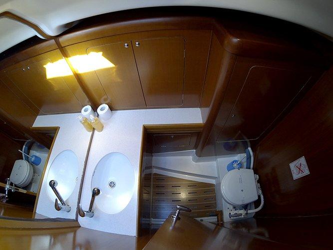 Discover Šibenik region surroundings on this Grand Soleil 50 Cantiere Del Pardo (Grand Soleil) boat