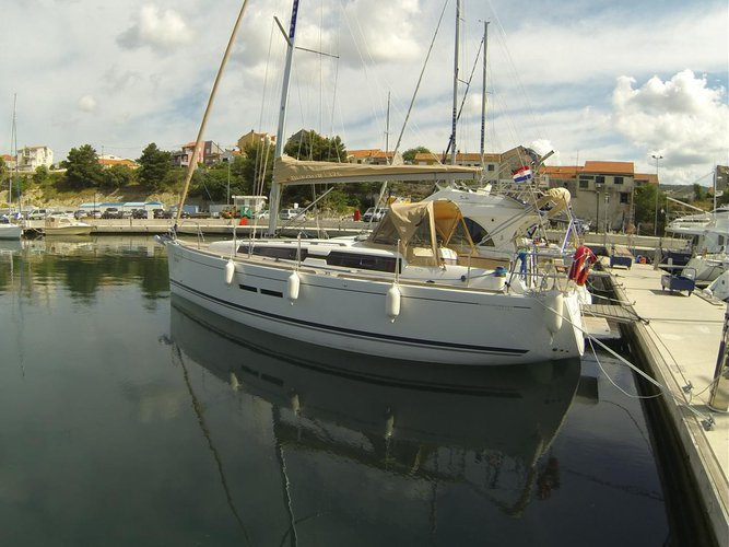 Enjoy luxury and comfort on this Dufour Yachts Dufour 375 GL in Šibenik region