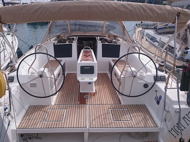 The perfect boat to enjoy everything Kaštel Gomilica, HR has to offer