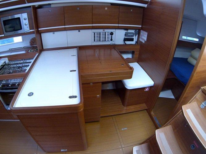 This 44.0' Dufour Yachts cand take up to 8 passengers around Šibenik region