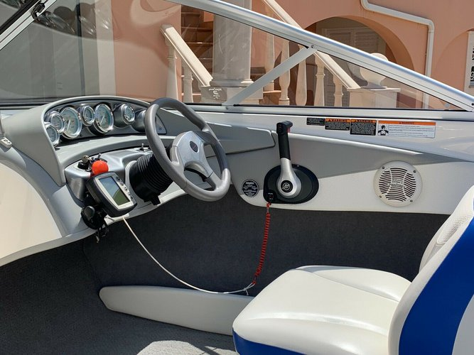 Up to 7 persons can enjoy a ride on this Bow rider boat