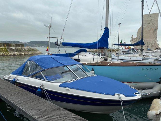 Boat for rent Bayliner 18.5 feet in Doca do Bom Sucesso, Portugal