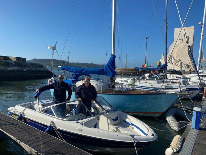 Boat rental in Lisbon,