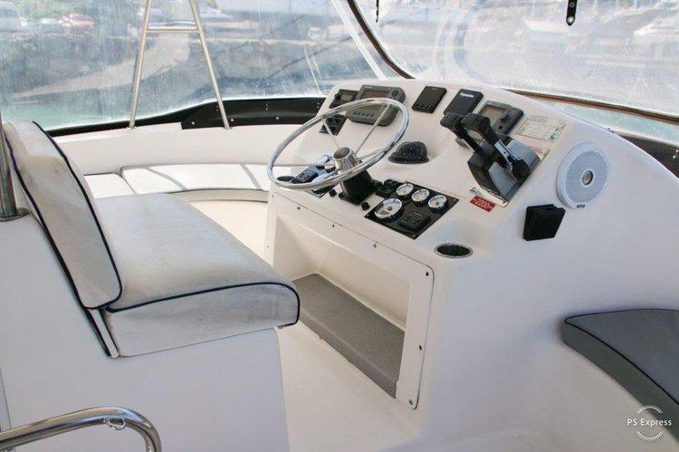 Catamaran boat for rent in Whitsundays