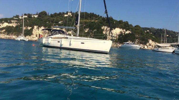 Monohull boat rental in Lefkas Marina, Greece