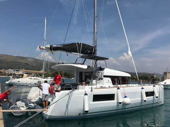Celebrate this summer aboard Lagoon 40