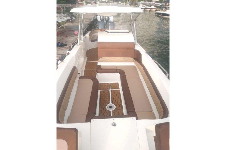 Discover cartagena surroundings on this Bravo Eduardoño boat