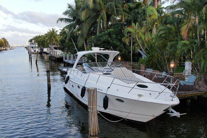Set your dreams in motion in Miami aboard Regal 40