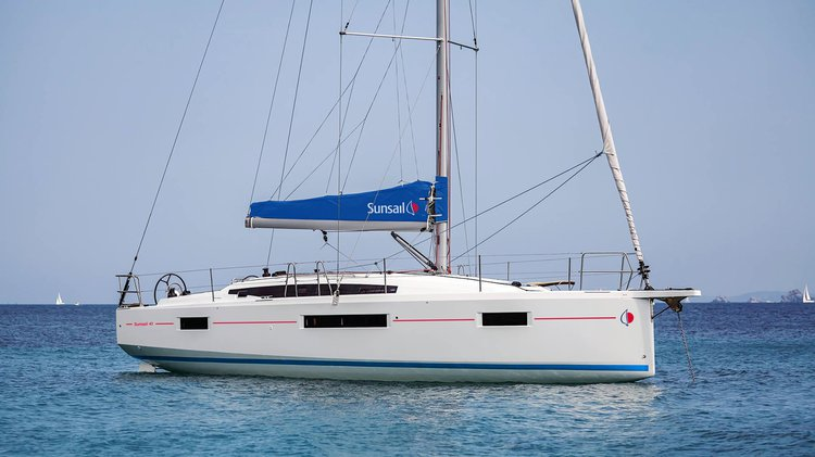 Sunsail's 40.0 feet in Road Town