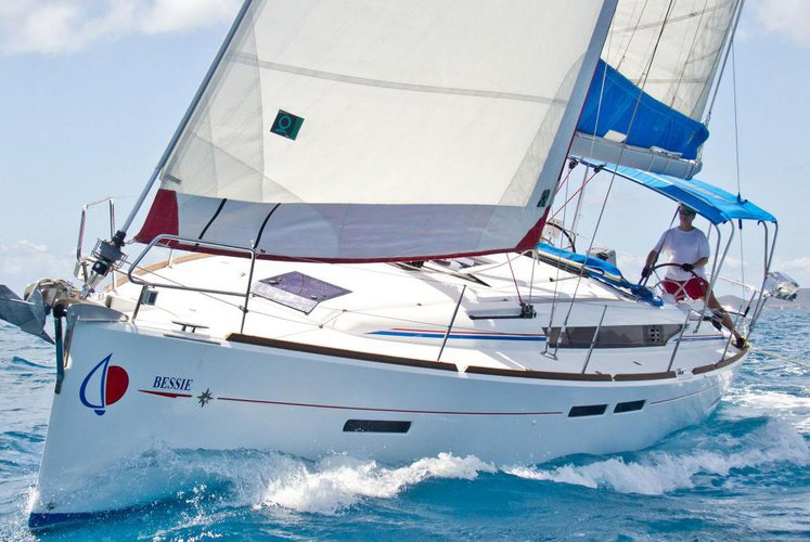 Discover Dubrovnik surroundings on this 41 Custom boat