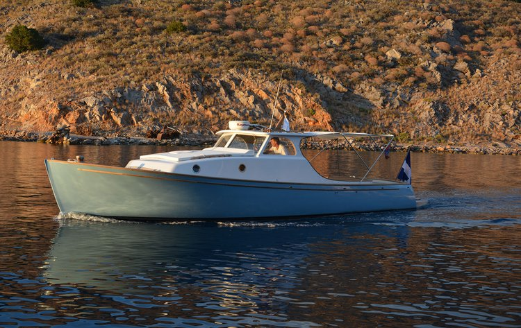 Discover Hydra surroundings on this Classic 38 Dixon Design Custom Lobster boat