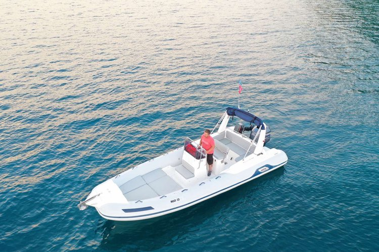 Awesome MARCO 23 ready for charter at a very affordable rate!