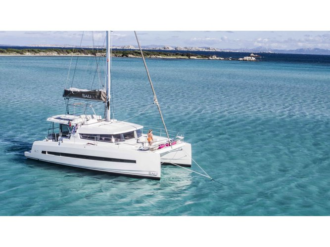 Hop aboard this amazing sailboat rental in Neos Marmaras!