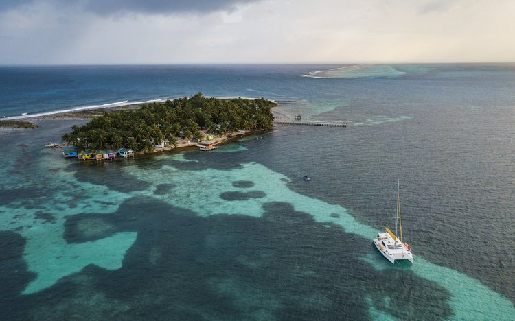 """Belize All Inclusive Sailing on """"Mary"""""""