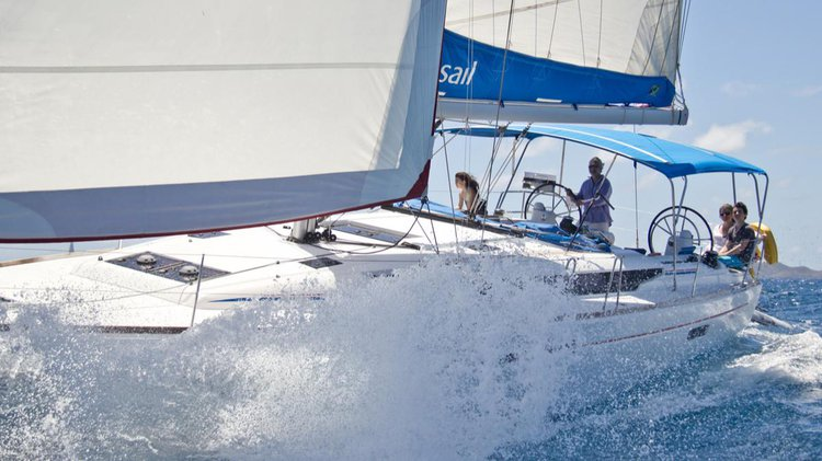 Discover Kerkira surroundings on this 47 Sunsail boat