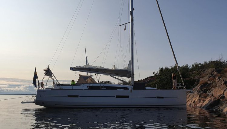 This 46.0' Dufour cand take up to 12 passengers around Saltsjöbaden