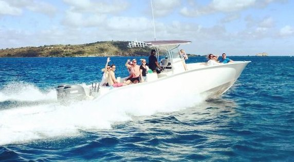 This 32.0' Cape Horn cand take up to 12 passengers around Charlotte Amalie