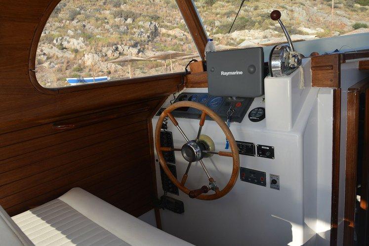 Boat rental in Hydra,