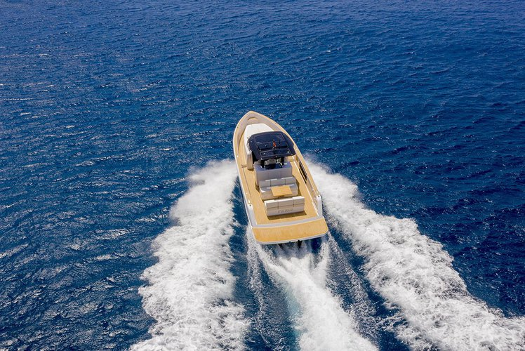 Boat for rent Pardo 37.8 feet in Lavrion Marina, Greece