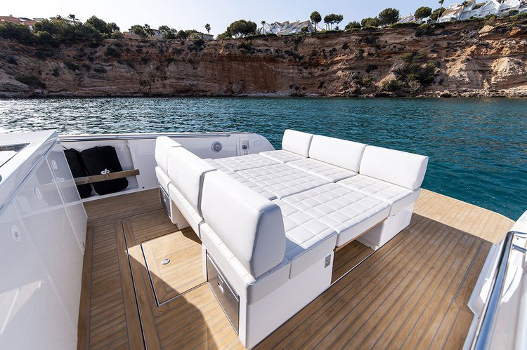 Motor yacht boat for rent in Lavrion