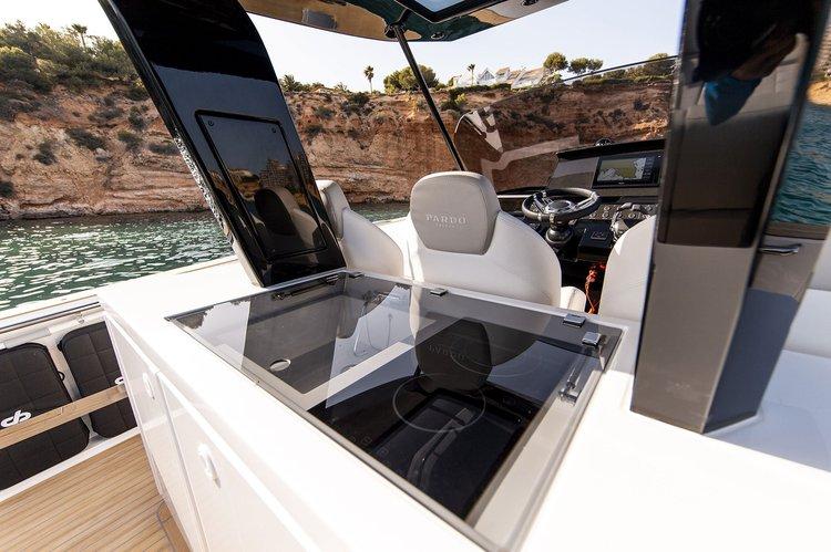 Boat rental in Lavrion,
