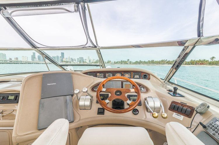 Discover North Bay Village surroundings on this 58SR Sea Ray boat
