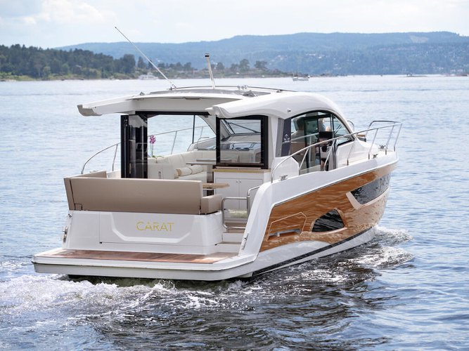 Explore Pula on this beautiful motor boat for rent