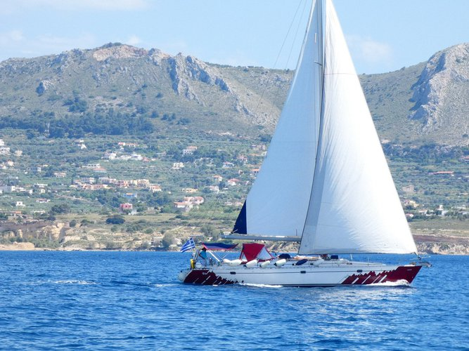 Sailboat for charter in Paros
