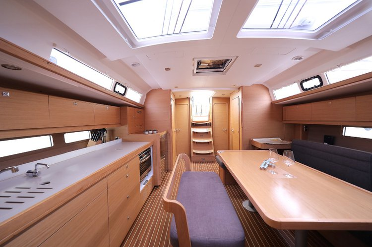 This 46.0' Dufour Yachts cand take up to 10 passengers around Split region