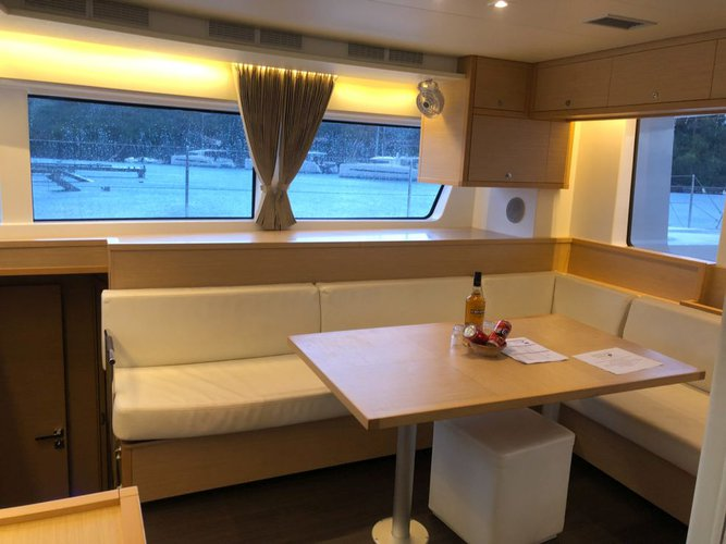 Discover New Providence surroundings on this 52 Lagoon boat