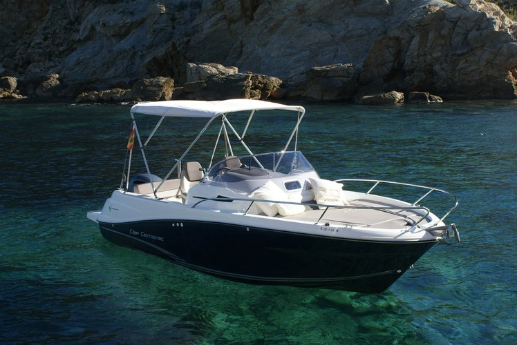 Rent this Glastron Boats Glastron GT 225 for a true nautical adventure