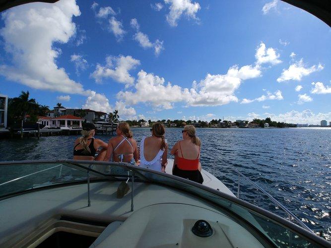 Boat rental in MIAMI, FL