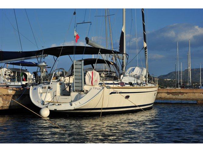 This sailboat charter is perfect to enjoy Porto Rotondo