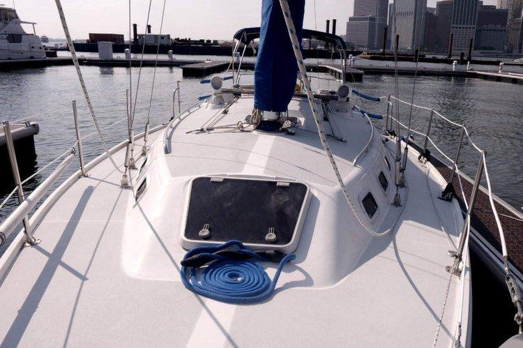 Boating is fun with a Cruiser in Brooklyn
