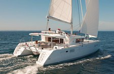 Enjoy Cyclades, GR to the fullest on our comfortable Lagoon-Bénéteau Lagoon 450 F