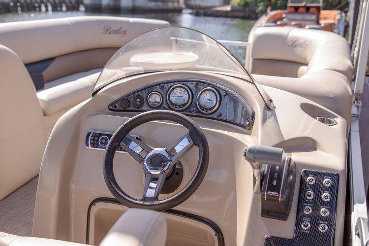 This 24.0' Bentley cand take up to 10 passengers around Sunny Isles Beach