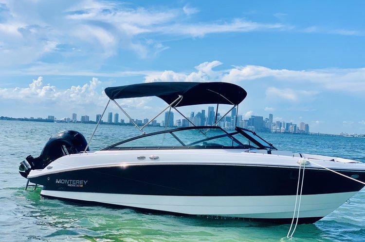 Boat rental in Miami Beach, FL