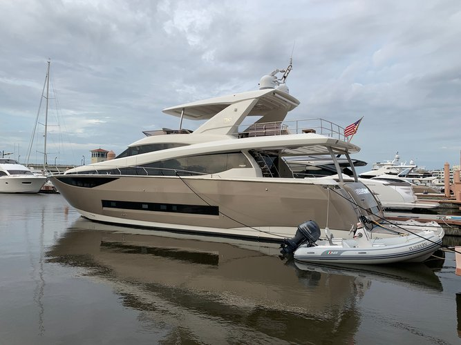 This 75.0' Prestige cand take up to 12 passengers around West Palm Beach
