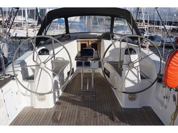 Sail the beautiful waters of Lemmer on this cozy Bavaria Yachtbau Bavaria Cruiser 40