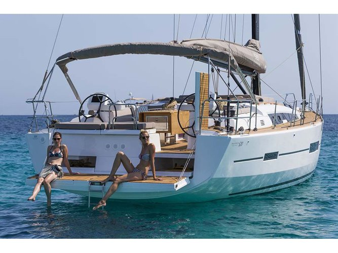 Charter this amazing Dufour Yachts Dufour 520 Grand Large in Castiglioncello, IT