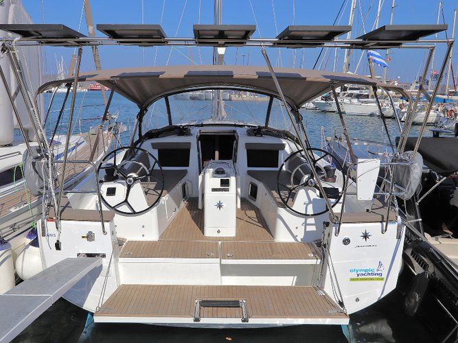 Enjoy luxury and comfort on this Lavrion sailboat charter