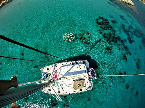 Jump aboard this beautiful Lagoon Lagoon 400 S2