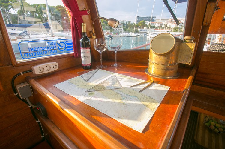 Charter this amazing  Classsic dalmatian boat in Biograd, HR
