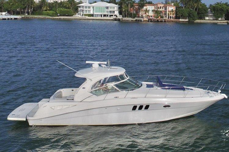SeaRay's 44.0 feet in Miami