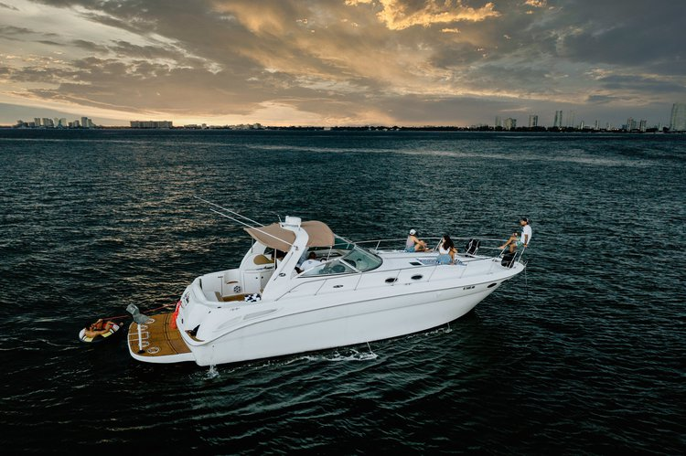Sea Ray's 42.0 feet in Miami Beach