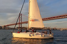 Come aboard and explore the waters of the Tagus River